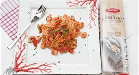 Spaghetti al sugo di gallinella di mare - IdeeRicette.it